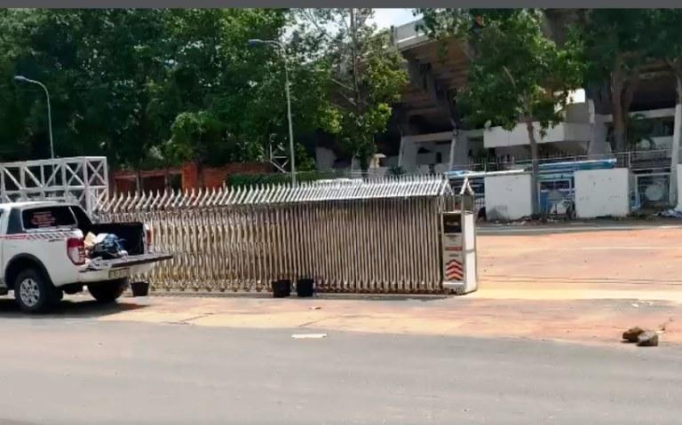 Cổng Xếp Chạy Điện tại Sân Vận động Đồng Nai