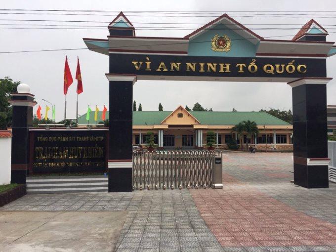 Cổng Xếp Tự Động Bình Thuận - Trại giam Huy Khiêm