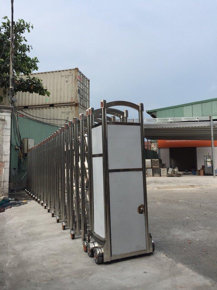 Cửa Cổng Xếp TPHCM - Trung tâm đăng kiểm xe cơ giới 50-04V - Quận 2 (2)