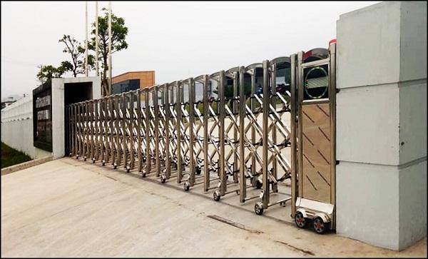 phân loại cổng xếp inox